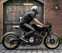 "14 mil Me gusta, 20 comentarios - CAFE RACER caferacergram (@caferacergram) en Instagram: ""⛽️Fueled by @rebelsocial 