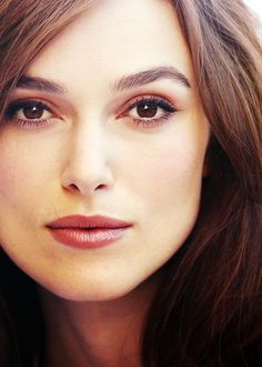 §§º§§ Keira Knightley Beautiful Eyes, Most Beautiful Women, Simply Beautiful, Beautiful People, Elizabeth Swann, Keira Christina Knightley, Actrices Hollywood, Celebs, Celebrities