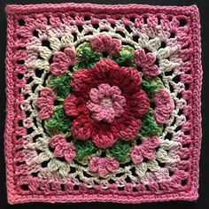 Crochet Granny Square Blankets Ravelry: Project Gallery for The Darling Dahlia Square pattern by Jen Tyler - Point Granny Au Crochet, Crochet Squares Afghan, Crochet Motifs, Granny Square Crochet Pattern, Crochet Flower Patterns, Afghan Crochet Patterns, Crochet Designs, Crochet Flowers, Crochet Stitches