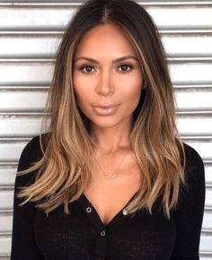 Want to upgrade your hair color? Then you need to try a balayage. Here, 20 gorgeous balayage hair looks that will inspire your next salon visit. Hair Day, New Hair, Cabelo Ombre Hair, Hair Color And Cut, Hair Colour, Brunette Hair, Balayage Hair Brunette Medium, Brunette Ombre, Gorgeous Hair