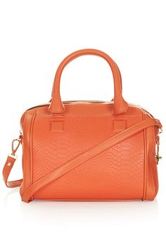 15 Sweet Spring Bags You Need On Hand #refinery29  http://www.refinery29.com/colorful-bags#slide1