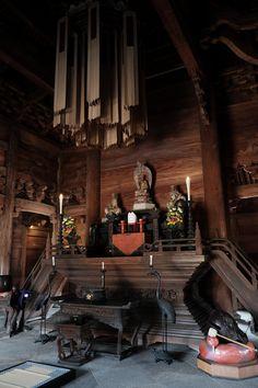 富山県唯一の国宝、瑞龍寺へ。歴史ある木造建築の威厳を感じる。
