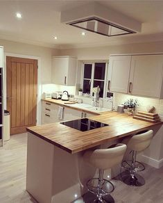 Another gorgeous kitchen! Especially excited by the clever extractor fan in the ceiling! The rest of the house at @sammys_home_designs is pretty special too. Lots of interior inspiration 👌😉 #kitchen #kitchens #kitcheninspoweek #kitchenideas #kitcheninspo #kitcheninspiration #interior #interiors #interior123 #interiorlove #interiorinspo #interiordesign #interior2you #interiorblogger #interiorblog #home #homedecor #homerenovation #homereno #homerenoideas #myhome #instahome #instahomedecor…