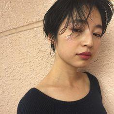 スタイリスト:大城 光子のヘアスタイル「STYLE No.19989」。スタイリスト:大城 光子が手がけたヘアスタイル・髪型を掲載しています。