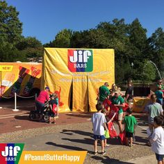 Check out the Jif #PeanutButterHappy Tour in Cincinnati and try the new bars for FREE! Did you know Jif has new Granola Bars??? #ad
