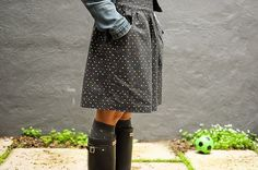 Grey Polka Dot Skirt from Make Something. Simplicity 2226 in Jay McCarroll Fabric. This fabric would also make a stunning duvet cover! Sewing Clothes, Diy Clothes, Couture, Wedding Dress With Pockets, Skirts With Pockets, Dress Pockets, Pocket Pattern, Simplicity Patterns, Cynthia Rowley