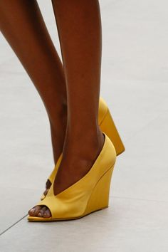 Burberry prorsum ss 2013 yellow shoes