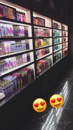 Self care have you smelling like a snack 🤪🤤❤️😍😍 Victoria Secret Fragrances, Victoria Secret Perfume, Beauty Care, Beauty Skin, Maquillage Kylie Jenner, Victoria Secret Body Spray, Perfume Organization, Bath And Body Works Perfume, Applis Photo