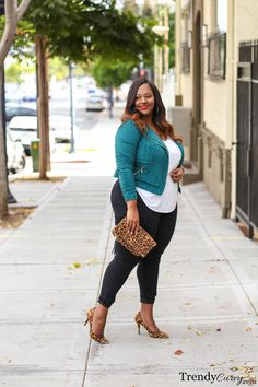 Plus Size Fashion for Women - Plus Size Fall Outfit Idea #plussize #fall #outfit #ootd