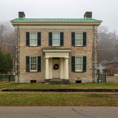 Architecture Old, Historical Architecture, House Beautiful, Beautiful Homes, Early American Homes, Zanesville Ohio, Greek Revival Home, Nice Houses, House Inspirations