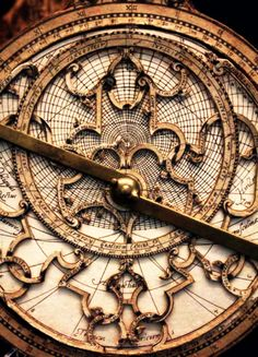 f-l-e-u-r-d-e-l-y-s:    ©Catherine McIntyre - Astrolabe in the Oxford Museum of the History of Science