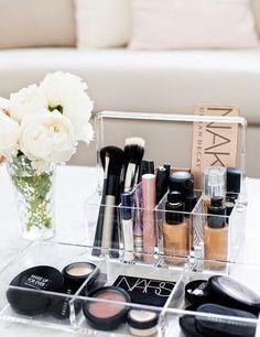 Querida Claudina: Sombra aquí, sombra allá! Organiza el maquillaje. Orden en casa. Ikea MALM . DIY : luz en la mirada, maquillaje para ojos fácil