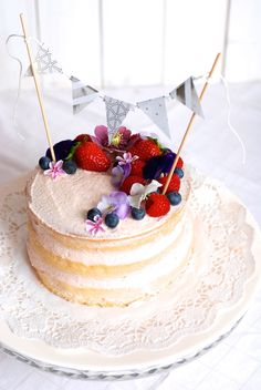 Nahatý dort s ovocem