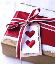 Valentine's Day giftwrapping