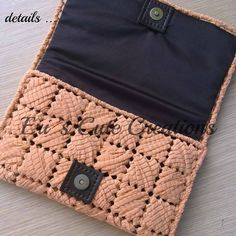 Discover thousands of images about Eri's Cute CReations Canvas Purse, Canvas Wallet, Crochet Clutch, Crochet Purses, Plastic Canvas Crafts, Plastic Canvas Patterns, Diy Handbag, T Shirt Yarn, Bargello