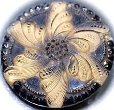 Old Lacy Glass Pictorial Glass Button - Medium
