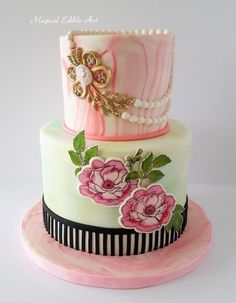 Hand painting cake by Nadia