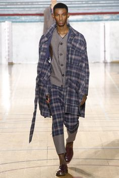 Vivienne Westwood коллекция | Коллекции осень-зима 2017/2018 | Лондон | VOGUE