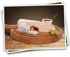 Pittig kaasplankje. Dit kaasplankje bestaat uit de volgende 3 heerlijke kazen. Lees meer over deze kaasplank: http://vomar.kaas.nl/kaasplankje/pittig-kaasplankje