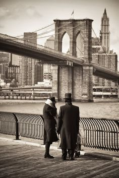 Vintage photo - Brooklyn, New York.... One of my favorite bridges, there is a lot of history there.