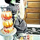HALLOWEEN FUN: WISTERIA INSPIRED WITCHY CROWS...made with Dollar Tree crows. Easy and inexpensive!