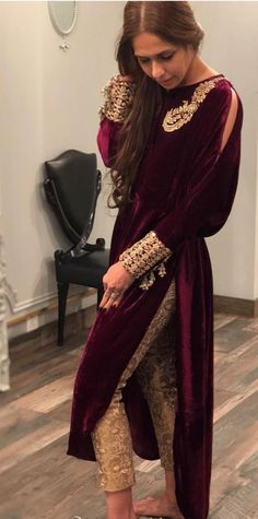 Velvet Dresses – Ideas for all Dresses & Outfits for All Ocassions Pakistani Dresses Casual, Indian Fashion Dresses, Dress Indian Style, Pakistani Dress Design, Indian Designer Outfits, Indian Outfits, Designer Dresses, Velvet Pakistani Dress, Pakistani Clothing