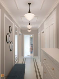 Фото холл из проекта «Интерьер квартиры 140 кв.м. в стиле неоклассики» Hall Interior, Interior Paint, Interior Design, White Hallway, Modern Hallway, Gypsum Design, Small House Design, Future House, Living Room Designs