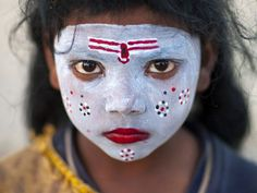 The Life You Can Save in 3 minutes by Peter Singer: https://youtu.be/onsIdBanynY  Eric Lafforgue The Life You Can Save in 3 minutes by Peter Singer: https://youtu.be/onsIdBanynY  Little girl with make up in Kumbh Mela, Allahabad, India https://www.flickr.com/photos/mytripsmypics