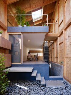 HOUSE IN SEYA SEYA,YOKOHAMA,KANAGAWA / JAPAN / 2009 by Suppose Design Office #architecture #japanese