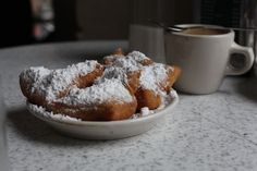 10 Things to eat in New Orleans from http://mightygirl.com.  This all looks perfect!