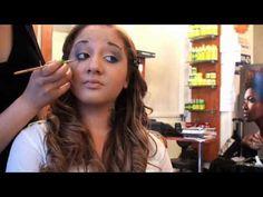 Tissage et Coloration - Le salon Locks Twists Tresses, expert de la coiffure africaine à Paris vous présente une coloration et un défrisage sur cheveux crépus, suivis d'un tissage pour passer en un clin d'œil d'une coupe courte à une longueur sexy.     Retrouvez nous sur notre site pour plus d'informations : http://www.coiffurelocks.com/locks-twists-tresses-salon.html