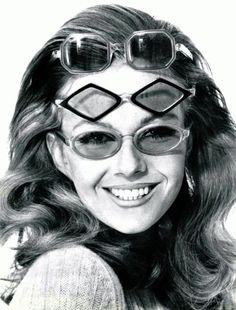 Pierre Marly sixties glasses, photo Roland Bianchini for L'Officiel 1967