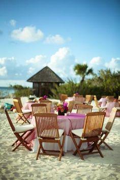 Beach Reception | Vibrantbride.com