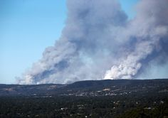 Photo taken on Jan. 2015 shows the bushfire producing heavy smoke in Adelaide Hill area. Living English, Alternative Energy Sources, Asia News, South Australia, News Australia, New South, Worlds Of Fun, East Coast, Beautiful Landscapes