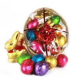 Purchase Lindts Easter Gift Basket at Just $45.00 from Gifts 2 The Door. #eastergiftideas  #eastergiftideasforkids #eastergifts