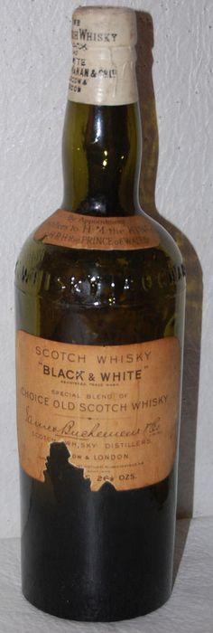 7. PRE-PROHIBITION BLACK & WHITE SCOTCH WHISKEY BUCHANAN & CO. ca1905 / 26 1/2oz