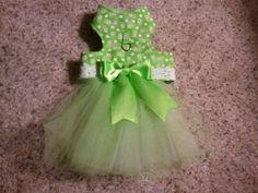 Green Daisy Pet Harness Dress    Mimi's Pet Harnesses  www.mpharnesses.com