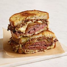 The Ultimate Comfort Food: Roast Beef & French Onion Grilled Cheese Sandwich Recipe _ Nutty, gooey Gruyère is even tastier when melted on top of savory roast beef & sweet, fragrant sautéed onion! Grill Cheese Sandwich Recipes, Grilled Cheese Recipes, Grilled Sandwich, Soup And Sandwich, Grilled Cheeses, Best Sandwich Recipes, Sandwich Bar, Sandwich Ideas, Chicken Sandwich