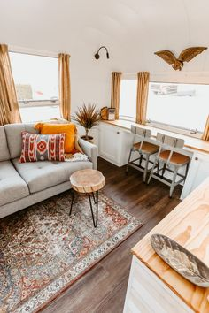Designed by Sheena Armstrong of Mavis the Airstream fame, this remodeled Airstream is a warm, vintage-inspired space for a musician. Airstream Remodel, Airstream Renovation, Airstream Interior, Silver Living Room, Living Room Photos, Next At Home, Square Feet, Living Area, Small Spaces