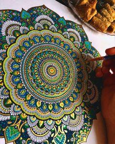 Mandala Drawn and then Painted with Color Themes. By Asmahan Rose Mosleh. Mandalas Painting, Mandalas Drawing, Mandala Artwork, Zentangle Patterns, Mandala Pattern, Zentangles, Doodle Patterns, Drawing Hand, Mandala Rose Tattoo