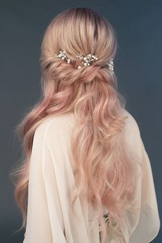 Fancy Hairstyles Everything You Need To Know About Wedding Hairstyles Romantic Hairstyles, Great Hairstyles, Bride Hairstyles, Rustic Wedding Hairstyles, Hairstyle Ideas, Straight Hairstyles, Boho Wedding Hair, Short Wedding Hair, Bridal Hair