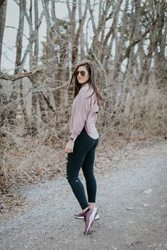Modest Fitness Outfits Ideas for Women Athleisure Outfits, Sporty Outfits, Nike Outfits, Athletic Outfits, Athletic Wear, Chic Outfits, Fashion Outfits, Sport Fashion, Fitness Fashion