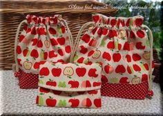 ハープリネンの可愛いリンゴ柄で作りました。お弁当袋コップ袋の中布はダブルガーゼ、ティッシュケースは水玉のコットンを使用致しました。紐の先を布で包みましたので、...|ハンドメイド、手作り、手仕事品の通販・販売・購入ならCreema。
