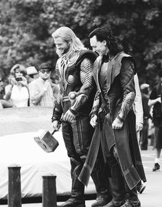 Chris Hemsworth and Tom Hiddleston on the set of The Avengers.  I love this pic.