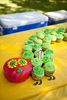 Very hungry caterpillar cupcakes!  Kid Parties, 1st Birthday Parties, Birthday Ideas, Birthday Cake, Hungry Caterpillar Cupcakes, Very Hungry Caterpillar, Party Entertainment, Party Time, Leo