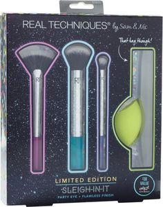 Real Techniques Sleigh-In-It Party Eye + Flawless Finish Kit Makeup Brush Hacks, Eye Makeup Brushes, How To Clean Makeup Brushes, Makeup Dupes, Makeup Brush Set, Home Design, Korean Makeup Tips, Party Eyes, Night Makeup