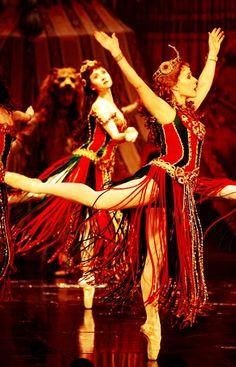 Dancing in Hannibal