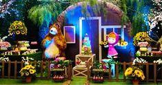 Andrea Guimaraes: Bom dia com essa decoração linda da Masha e o Urso. Aliás nossa estréia! Fiquei apaixonada por esse ...