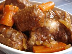 Oxtail Casserole This is an old Australian favorite. Wonderful comfort food on a cold wet night, especially served with damper or sc. Oxtail Recipes, Beef Recipes, Cooking Recipes, Game Recipes, Curry Recipes, Southern Dishes, Southern Recipes, Southern Food, Oxtail Stew