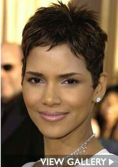 Beauty: Halle Berry's Makeup Evolution Halle Berry has the best short hair. She is so gorgeous :)Halle Berry has the best short hair. She is so gorgeous :) Halle Berry Haircut, Halle Berry Short Hair, Halle Berry Hairstyles, Edgy Short Hair, Cool Short Hairstyles, Short Hair Updo, Short Hair Cuts For Women, Curly Hair Styles, Natural Hair Styles